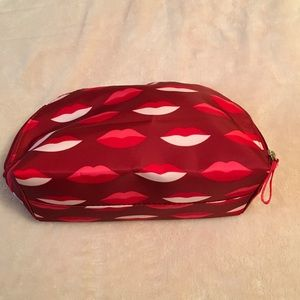 🆕 Lucious Lips 👄 Makeup 💄 Bag